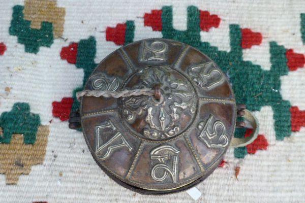 Zimbel - getriebenes Kupfer aus Nepal