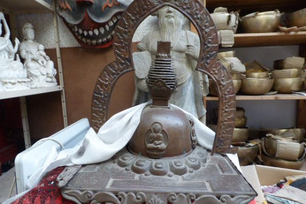 Stupa - getriebenes Kupfer aus Tibet