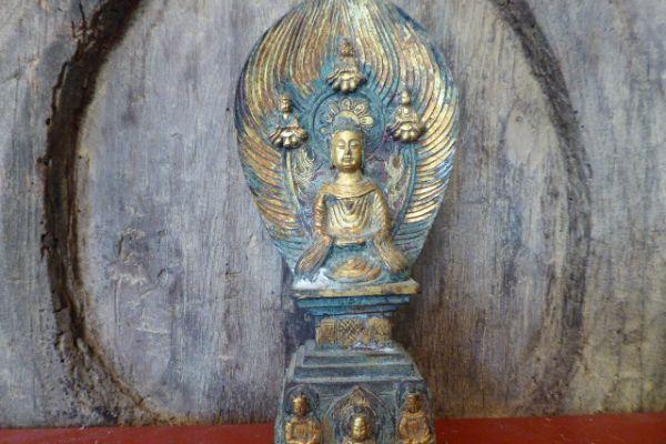 Buddha vergoldet - Bronzefigur aus China