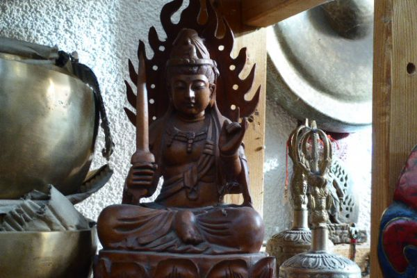Manjushri - Holzschnitzerei aus China